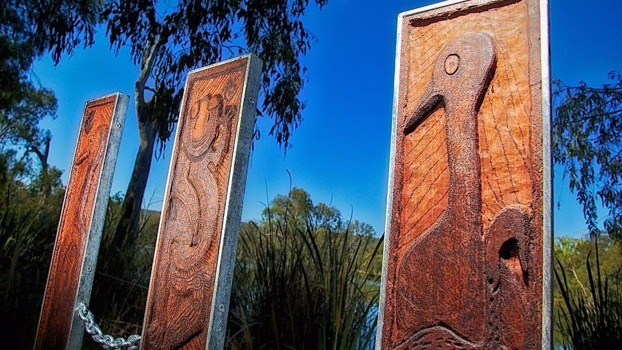 Wagirra Trail and Yindyamarra Sculpture Walk, Albury, Australia @Visit Victoria